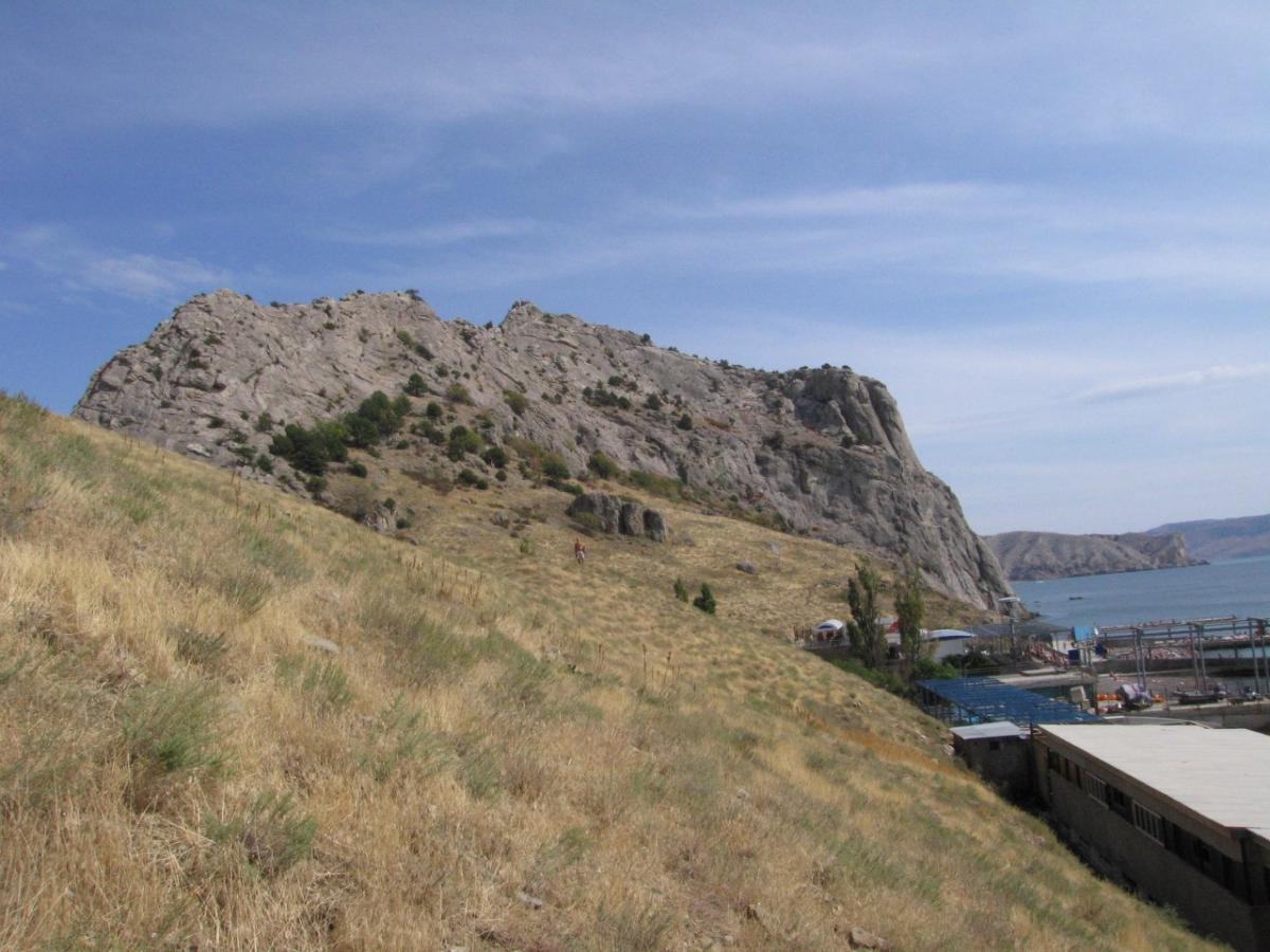 Крым, Судак, Крепостная скала