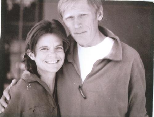 Анатолий и Линда. Это фото единственное осталось у нее после случившегося пожара.