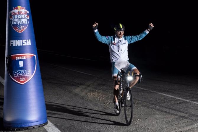 Aлeксeй Щeбeлин победил на девятом этапе шоссейного веломарафона! (Red Bull Trans-Siberian Extreme, транссиб, россия, сибирь)
