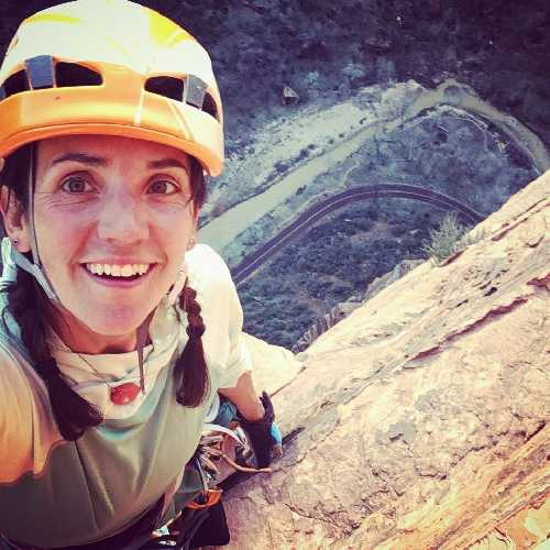 Спасательная операция на Эль-Капитане: знаменитая альпинистка Квин Бретт получила серьёзные травмы после падения на 30 метров (Альпинизм, скалолазание, альпинизм, спасработы, срыв)