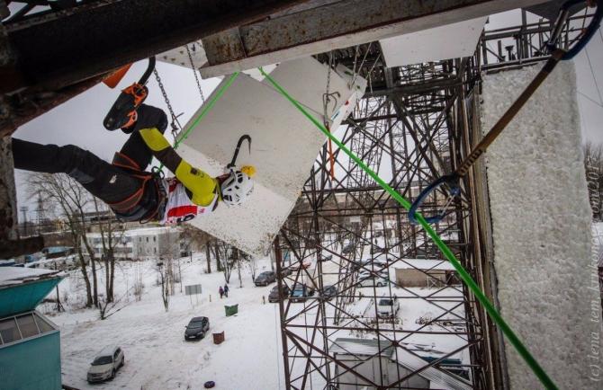 Второй этап КР по ледолазанию в Кирове: как это было (Ледолазание/drytoolling, ледолазание, трамплин, ЭКР по ледолазанию, iceclimbing)