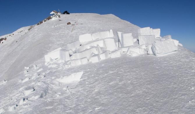 Неудачная попытка строительства иглу на вершине Эльбруса. Октябрь 2016 (Альпинизм, осень)