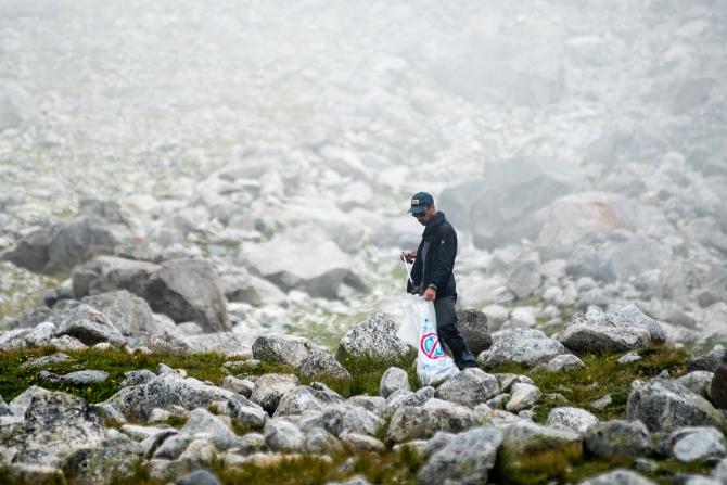 """Экoлoгичeскaя aкция на Эльбрусе """"Чистая гора"""" (Альпинизм, сохраним горы в чистоте, экология)"""