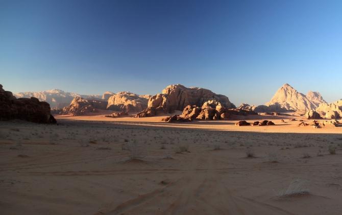 Вади Рам - погреться на песочке