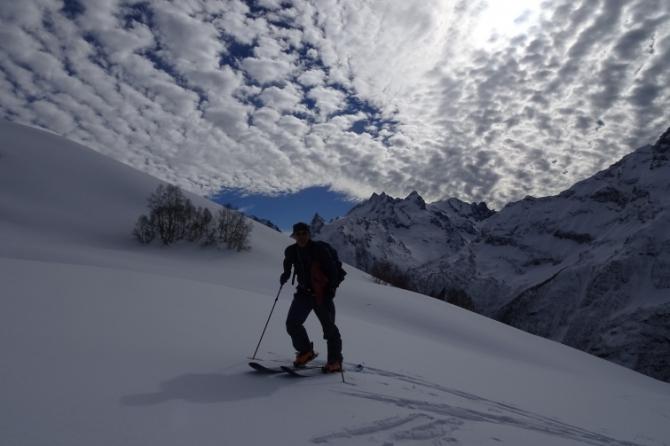 Домбай, солнце, снег, лыжи... (Ски-тур, ски-тур, Семёнов Баши)