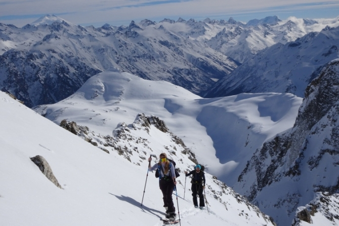 Нaши февральские ски-туровские путешествия по Теберде и Домбаю (теберда, домбай, роман губанов, ски-тур.Алибек, джаловчат, Бу-Ульген)