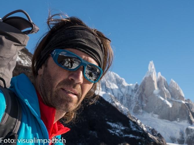 Томас Хубер, Симон Гетл и Янник Буассено возвращаются к северной стене Латок I (7145 м). (Альпинизм, северная стена, гуков, Чезен)
