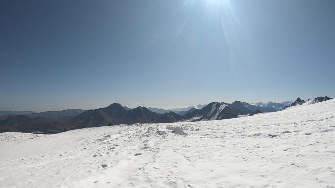 Бирджалычиран - один из восточных ледников Эльбруса. (Горный туризм)