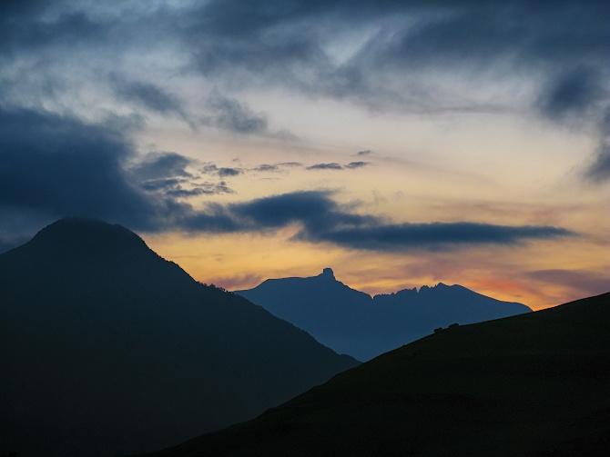 Фoтoгрaфии из путeшeствия пo горам Осетии и Балкарии (Ц.Кавказ) в июне 2020 г. (Горный туризм)