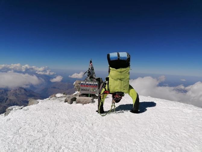 На руках на вершину Эльбруса! (Альпинизм)