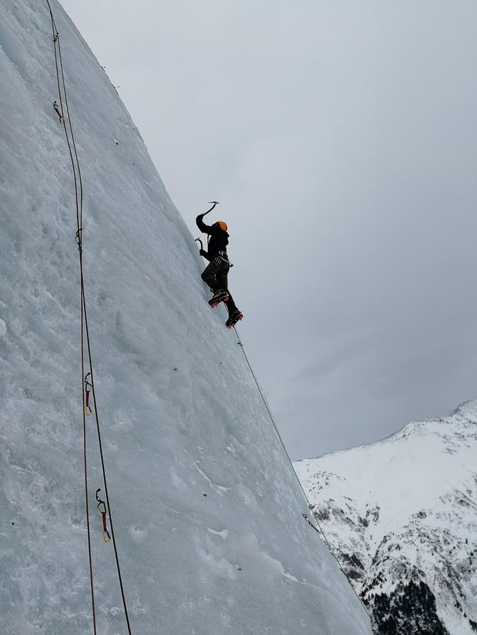 Основные причины срывов при движении по льду. Ледолазание и безопасность. Часть 3 (Альпинизм)
