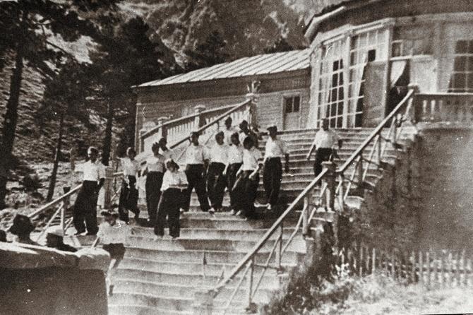 Стать инструктор по альпинизму в СССР было проще простого! ()
