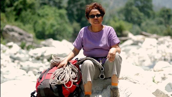 10 женщин старше 50, 4500 км и 40 перевалов в Гималаях (Горный туризм)