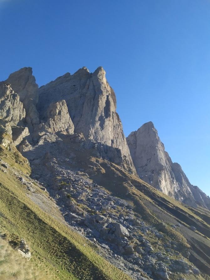4А по СЗ стене на в. Цей-Лоам (маршрут Трикозова, Альпинизм)