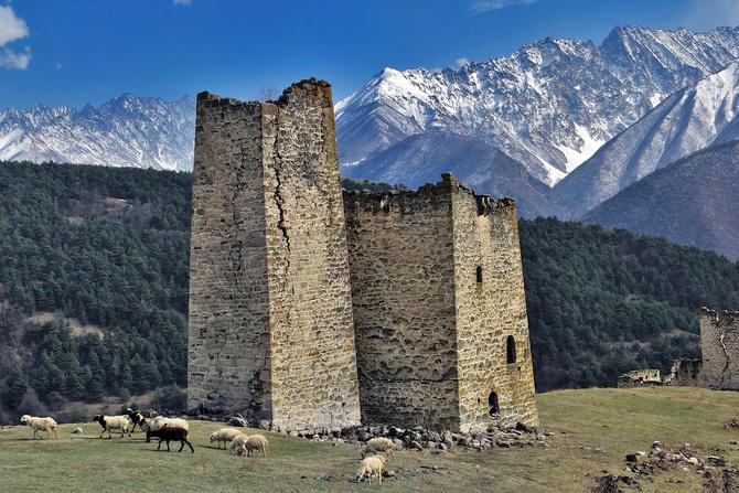 Приглaшeниe в уникальный треккинг-тур по стране башен — горной Ингушетии — в сентябре! (Горный туризм)