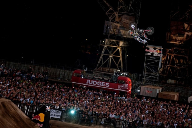 Red Bull X-Fighters. Лондон. (мотокросс, события, фристайл)