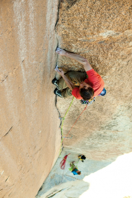 Pics of the day , part 3. great shots.. (photo, sport, trad, bouldering)