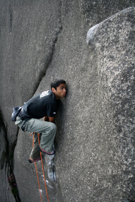 The appointment with Deat, Pics of the day, have a nice wekend! (www.twitter.com/@climbrockguide, black & white, uk, rock, bouldering, trad)